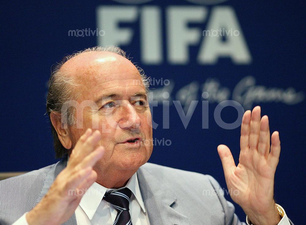 Fussball International FIFA Roundtable FIFA-Praesident Joseph S. BLATTER