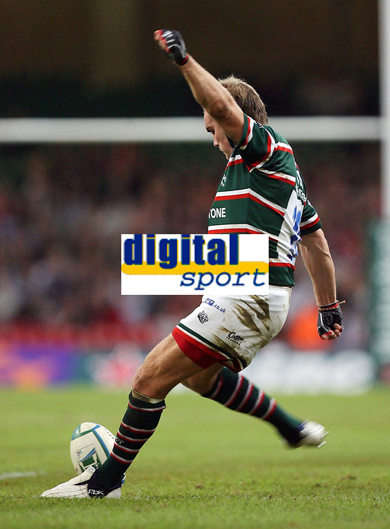 Photo: Rich Eaton.<br /> <br /> Cardiff Blues v Leicester Tigers. Heineken Cup. 29/10/2006. Andy Goode of Tigers kicks a penalty