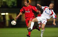 Photo: Daniel Hambury.Digitalsport<br /> Rushden & Diamonds v Swindon Town.  24/8/2004<br /> The Carling Cup<br /> <br /> Swindon Town's Sam Parkin burts past Rushden & Diamonds' Sean Connelly