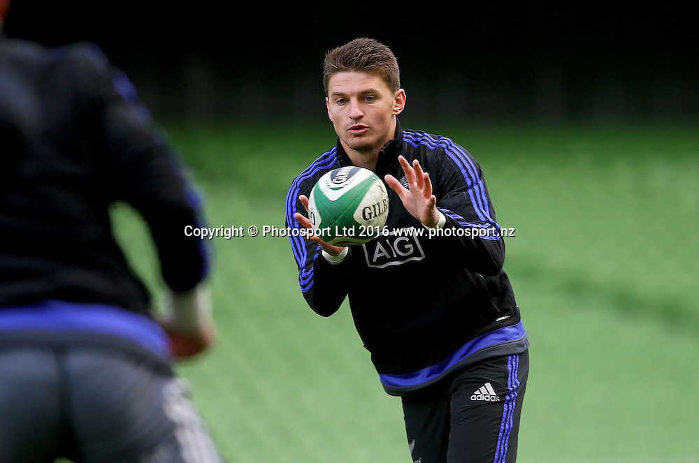 New Zealand Captain's Run, Aviva Stadium, Dublin 18/11/2016<br /> Beauden Barrett<br /> Copyright photo: Oisin Keniry / www.photosport.nz