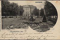 Zagreb : Akademički trg. <br /> <br /> ImpresumZagreb : Svetlotiskarski zavod R. Mosinger, [1902].<br /> Materijalni opis1 razglednica : tisak ; 8,9 x 14 cm.<br /> NakladnikSvjetlotiskarski zavod R. Mosinger<br /> Mjesto izdavanjaZagreb<br /> Vrstavizualna građa • razglednice<br /> ZbirkaZbirka razglednica • Grafička zbirka NSK<br /> ProjektPozdrav iz Hrvatske<br /> Formatimage/jpeg<br /> PredmetZagreb –– Trg Josipa Jurja Strossmayera<br /> Jezikhrvatski<br /> SignaturaRZG-STRG-14<br /> NapomenaRazglednica je putovala 1902. godine. • Poleđina razglednice je namijenjena samo za adresu.<br /> PravaJavno dobro<br /> Identifikatori000952359<br /> NBN.HRNBN: urn:nbn:hr:238:008900 <br /> <br /> Izvor: Digitalne zbirke Nacionalne i sveučilišne knjižnice u Zagrebu
