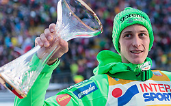 03.01.2016, Bergisel Schanze, Innsbruck, AUT, FIS Weltcup Ski Sprung, Vierschanzentournee, Siegerehrung, im Bild Sieger Peter Prevc (SLO) // Winner Peter Prevc of Slovenia during Award ceremony of Four Hills Tournament of FIS Ski Jumping World Cup at the Bergisel Schanze, Innsbruck, Austria on 2016/01/03. EXPA Pictures © 2016, PhotoCredit: EXPA/ JFK