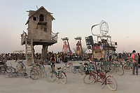 I can't remember the name of this performance. My Burning Man 2018 Photos:<br />