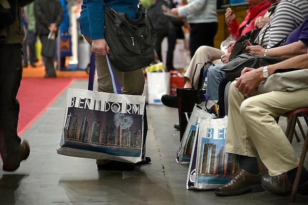 Nederland, Utrecht, 18-9-2013Veel ouderen bezoeken de jaarlijkse 50plus beurs in de jaarbeurshallen.50 plus; beurs; 50 plusbeurs; 50plus; 50plusbeurs; 50-plus; bejaard; bejaarden; besteden; besteding; bestedingen; euro; geld; holland; inkomen; jaarbeurs; leeftijd; nederland; oud; oudere; ouderen; rijk; rijkdom; senior; senioren; vijftig-plus; aow; pensioen; gepensioneerd; gepensioneerden;Foto: Flip Franssen/Hollandse Hoogte