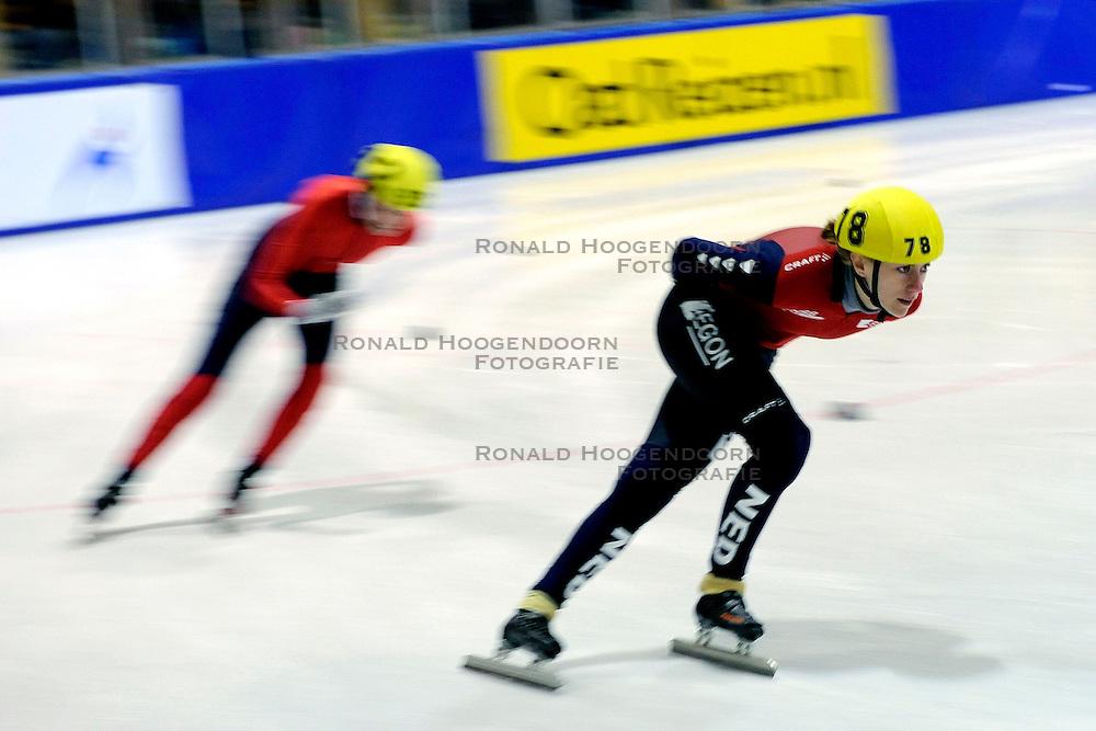 22-03-2009 SHORTTRACK: NK SHORTTRACK: ZOETEMEER<br /> Annita van Doorn 78<br /> &copy;2009-WWW.FOTOHOOGENDOORN.NL