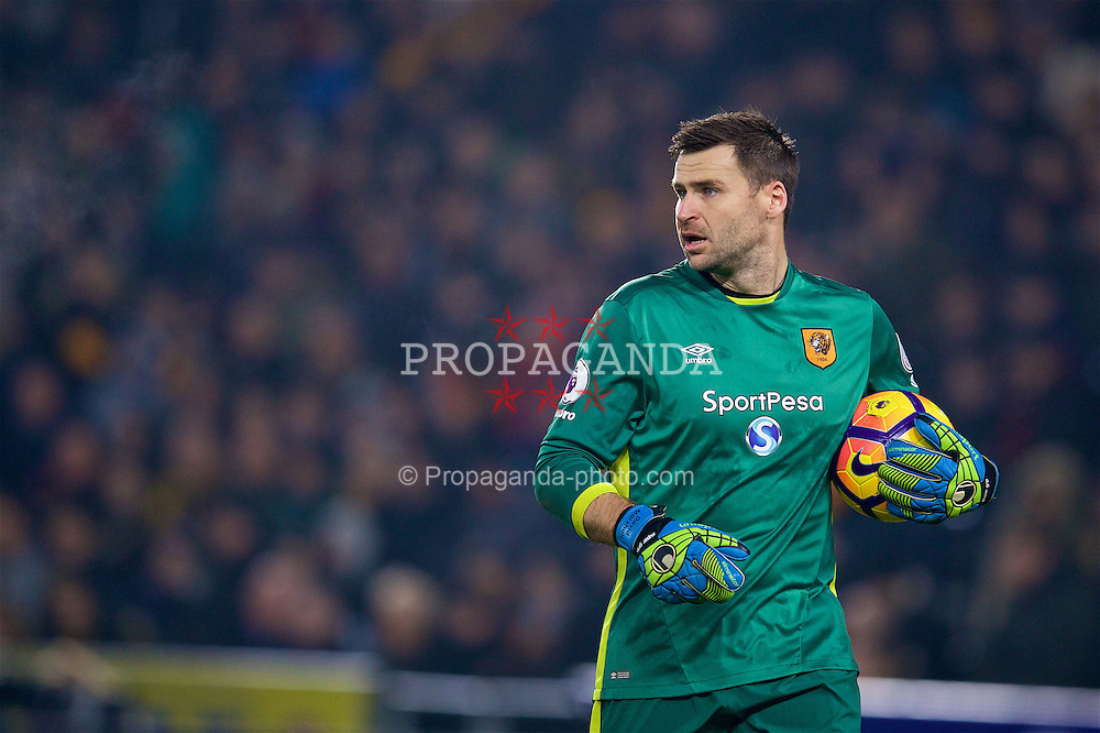 KINGSTON-UPON-HULL, ENGLAND - Friday, December 30, 2016: Hull City's goalkeeper David Marshall in action against Everton during the FA Premier League match at the KCOM Stadium. (Pic by David Rawcliffe/Propaganda)