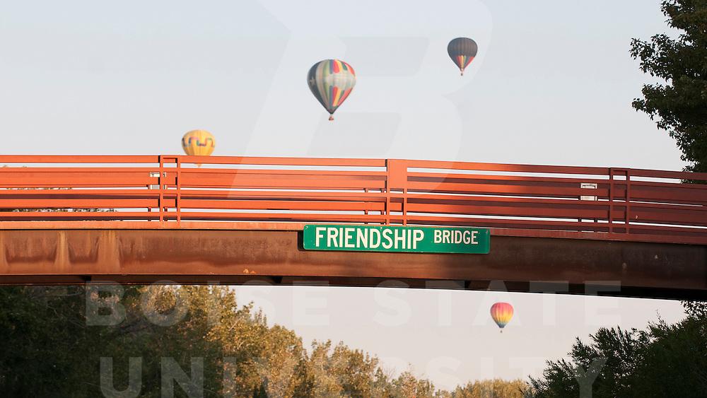 Hot air balloons, campus scenes, Photo Patrick Sweeney