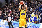 DESCRIZIONE : Cremona Lega A 2015-2016 Vanoli Cremona Manital Torino<br /> GIOCATORE :  Andre Dawkins<br /> SQUADRA : Manital Torino<br /> EVENTO : Campionato Lega A 2015-2016<br /> GARA : Vanoli Cremona Manital Torino<br /> DATA : 14/02/2016<br /> CATEGORIA : Tiro Tre Punti<br /> SPORT : Pallacanestro<br /> AUTORE : Agenzia Ciamillo-Castoria/F.Zovadelli<br /> GALLERIA : Lega Basket A 2015-2016<br /> FOTONOTIZIA : Cremona Campionato Italiano Lega A 2015-16  Vanoli Cremona Manital Torino <br /> PREDEFINITA : <br /> F Zovadelli/Ciamillo