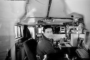 Pêcher les hommes. Pêche à la crevette. Fleuve St-Laurent, Québec, Canada 2003.