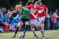 HEERHUGOWAARD - 02-07-2016, oefenwedstrijd, SVW - AZ , sportpark de Kabel, AZ speler Joris van Overeem, SVW speler Joost Groeneveld.