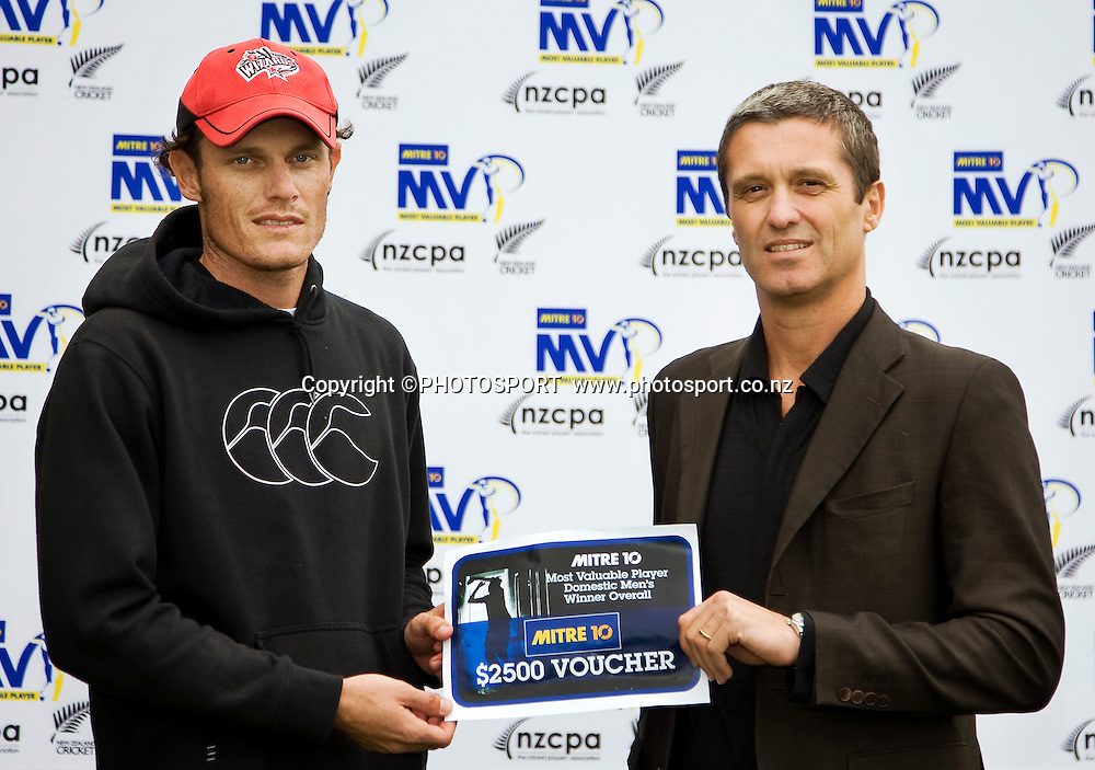 Canterbury player Rob Nicol is presented with the MVP award by the chief executive of New Zealand Cricket, Justin Vaughan after Canterbury beat the Northern Knights on the final day. Canterbury Wizards v Northern Knights, Plunket Shield Game held at Mainpower Oval, Rangiora, Thursday 07 April 2011. Photo : Joseph Johnson / photosport.co.nz