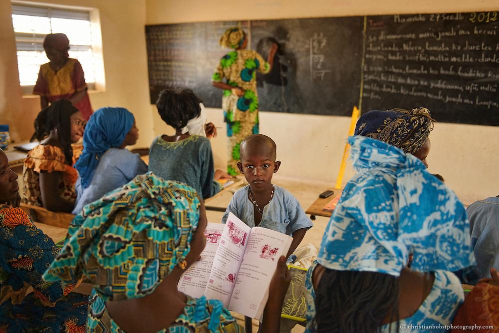 Ausbildungs-Workshop für Kleinbauern/Erwachsene (Lesen und Schreiben) in THIARGNY, Senegal.