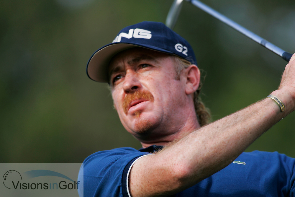 Miquel Angel Jimenez on the final day at the Dubai Desert Classic 2005, Emirates GC, UAE.  Photo Mark Newcombe
