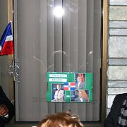"""Asdrover Tejeda, presidente de Somos Patria- movimiento patriotico- en Lawrence, Massachusetts,se dirije a varias personas en un improvisado tributo postumo a Freddy Beras Goico.<br /> <br /> El grupo coloco un velon y un un carter al frente de Casa Dominicana- Lawerence.<br /> <br /> El carter dice """"Gracias Freddy"""" en letras negras y muestra varias fotos del artista. Al centro se ve la bandera dominicana y debajo-  mas pequeño- se leen las iniciales del grupo, """"SP"""".<br /> <br /> Freddy Beras Goico- fallecio de cancer recientemente y cientos de personas lamentan su partida.<br /> <br /> A la izq. cerca de la bandera, el pastol Disla."""