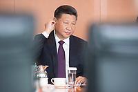 05 JUL 2017, BERLIN/GERMANY:<br /> Xi Jinping, Staatspraesident der Volksrepublik China, zu Beginn eines Treffens mit Bundeskanzlerin M erkel, Kleiner Kabinettsaal, Bundeskanzleramt<br /> IMAGE: 20170705-01-010