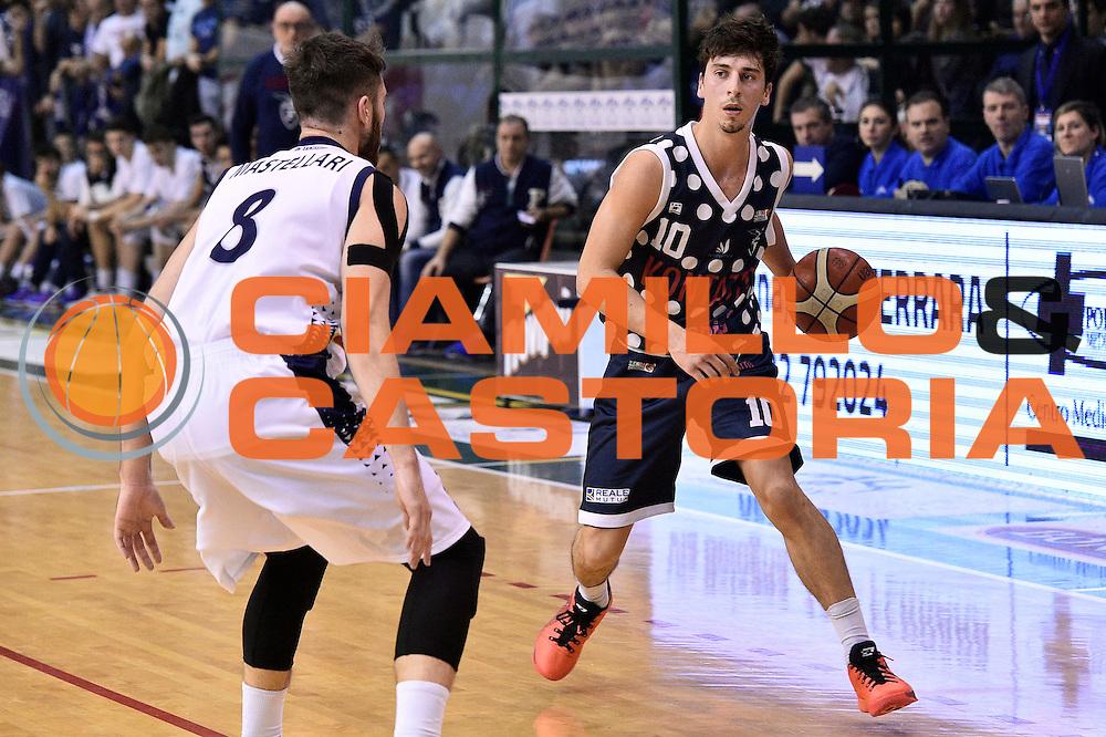 Michele Ruzzier<br /> Bondi Pallacanestro Ferrara - Fortitudo Kontatto Bologna<br /> Campionato Basket A2 LNP 2016/2017<br /> Ferrara, 25/11/2016<br /> Foto Ciamillo-Castoria