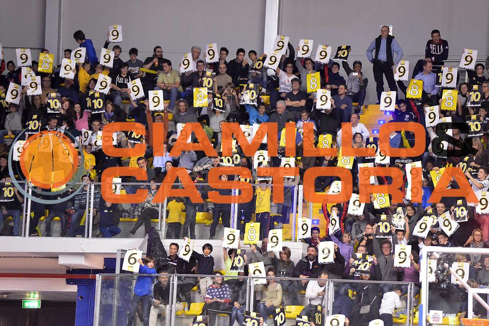 DESCRIZIONE : Biella Beko All Star Game 2012-13<br /> GIOCATORE : pubblico tifosi<br /> CATEGORIA : ritratto<br /> SQUADRA : Italia<br /> EVENTO : All Star Game 2012-13<br /> GARA : Italia All Star Team<br /> DATA : 16/12/2012 <br /> SPORT : Pallacanestro<br /> AUTORE : Agenzia Ciamillo-Castoria/GiulioCiamillo<br /> Galleria : FIP Nazionali 2012<br /> Fotonotizia : Biella Beko All Star Game 2012-13<br /> Predefinita :
