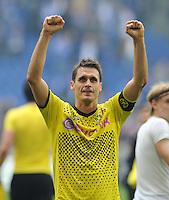 FUSSBALL   1. BUNDESLIGA   SAISON 2011/2012   31. SPIELTAG FC Schalke 04 - Borussia Dortmund                      14.04.2012 Sebastian Kehl (Borussia Dortmund)  jubelt nach dem Abpfiff