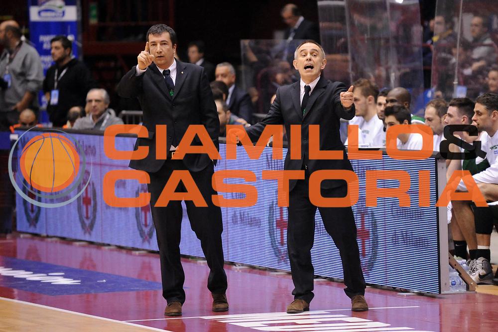 DESCRIZIONE : Milano Coppa Italia Final Eight 2013 Semifinale Banco di Sardegna Sassari Montepaschi Siena<br /> GIOCATORE : Luca Banchi Marco Crespi<br /> CATEGORIA : Esultanza<br /> SQUADRA : Montepaschi Siena<br /> EVENTO : Beko Coppa Italia Final Eight 2013<br /> GARA : Banco di Sardegna Sassari Montepaschi Siena<br /> DATA : 09/02/2013<br /> SPORT : Pallacanestro<br /> AUTORE : Agenzia Ciamillo-Castoria/Max.Ceretti<br /> Galleria : Lega Basket Final Eight Coppa Italia 2013<br /> Fotonotizia : Milano Coppa Italia Final Eight 2013 Quarti di Finale Semifinale Banco di Sardegna Sassari Montepaschi Siena<br /> Predefinita :