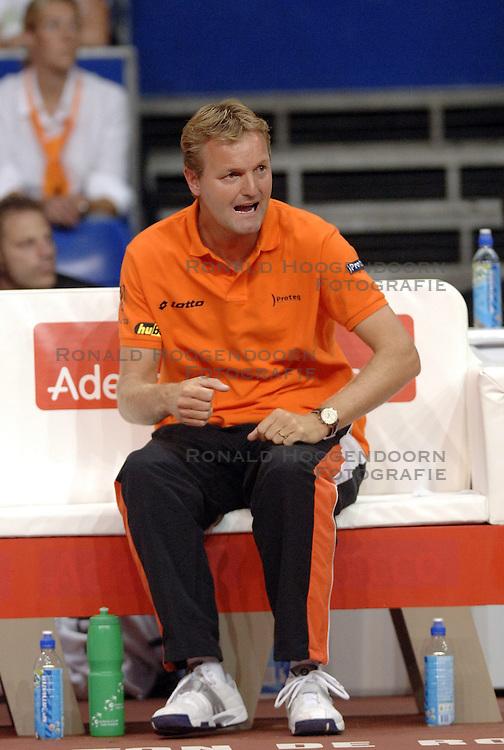 22-09-2006 TENNIS: DAVIS CUP: NEDERLAND - TSJECHIE: LEIDEN <br /> Tjerk Bogtstra<br /> &copy;2006-WWW.FOTOHOOGENDOORN.NL