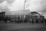 08/07/1965 <br /> 07/08/1965<br /> 08 July 1965<br /> Opening of Powers Supermarket in Ballyfermot. The crowds gather before the doors open.