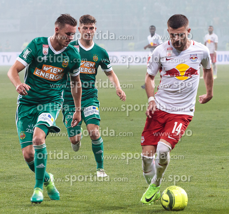 01.06.2017, Woerthersee Stadion, Klagenfurt, AUT, OeFB Samsung Cup, SK Rapid Wien vs FC Red Bull Salzburg, Finale, im Bild v.l. Stephan Auer (SK Rapid Wien), Mario Pavelic (SK Rapid Wien), Valon Berisha (FC Red Bull Salzburg) // during the Final Match of the Austrian Samsung Cup between SK Rapid Wien and FC Red Bull Salzburg at the Woerthersee Stadion in Klagenfurt, Austria on 2017/06/01. EXPA Pictures © 2017, PhotoCredit: EXPA/ Johann Groder