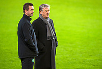 09/12/15      <br /> CELTIC TRAINING <br /> SUKRU SARACOGLU STADIUM - ISTANBUL<br /> Celtic Chief Executive Peter Lawwell (right) talks to Manager Ronny Deila