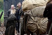 Setbezoek in Eindhoven van de film Redbad, een historische film over de Friese koning Radboud geregiseerd door Roel Rein&eacute;.<br /> <br /> Op de foto: Gijs Naber en Lisa Smit