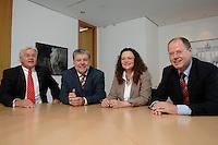 21 MAY 2007, BERLIN/GERMANY:<br /> Frank-Walter Steinmeier, SPD, Bundesaussenminister, Kurt Beck, SPD Parteivorsitzender, Andrea Nahles, MdB, SPD, Vorsitzende des Forums Demokratische Linke 21, Peer Steinbrueck, SPD, Bundesfinanzminister, (v.L.n.R.), vor einem gemeinsamen Gespraech, vor der Vorstellung der drei Kandidaten fuer den Posten des Stellvertretenden Parteivorsitzenden in den SPD-Gremien durch Beck, Buero des Parteivorsitzenden, Willy-Brandt-Haus<br /> IMAGE: 20070521-01-058<br /> KEYWORDS: Peer Steinbrück, Stellvertreter, Gruppe, Gruppenfoto, Gruppenbild, Gespräch