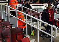 Photo: Javier Garcia/Back Page Images<br />Arsenal v Birmingham FA Barclays Premiership Highbury 04/12/04<br />Jens Lehmann walks forlornly to the bench after being dropped from the starting line up