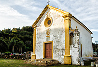 Capela Nossa Senhora da Armação da Piedade, a primeira igreja construída no Estado de Santa Catarina, entre 1738 e 1745. Governador Celso Ramos, Santa Catarina, Brasil. / <br /> Nossa Senhora da Armacao da Piedade Chapel, the first church built in Santa Catarina State, between 1738 and 1745. Governador Celso Ramos, Santa Catarina, Brazil.