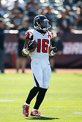 OAKLAND, CA - SEPTEMBER 18: Wide receiver Justin Hardy #16 of the Atlanta Falcons warms up before the game against the Oakland Raiders at Oakland-Alameda County Coliseum on September 18, 2016 in Oakland, California. The Atlanta Falcons defeated the Oakland Raiders 35-28. Photo by Jason O. Watson/Getty Images) *** Local Caption *** Justin Hardy