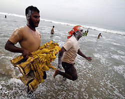 CHENNAI, Sept. 12, 2016 (Xinhua) -- Devotees carry an idol of Hindu god Lord Ganesha to the sea in celebration of Ganesh Chaturthi festival in Chennai, Indian southeastern state of Tamil Nadu, Sept. 11, 2016. Ganesh Chaturthi is the Hindu festival celebrated in honor of the elephant-headed god Ganesha. (Xinhua/Stringer).****Authorized by ytfs* (Credit Image: © Stringer/Xinhua via ZUMA Wire)