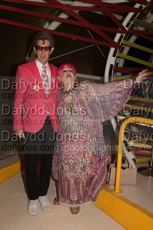 DUGGIE FIELDS; ZANDRA RHODES, Serpentine's Summer party co-hosted with Christopher Kane. 15th Serpentine Pavilion designed by Spanish architects Selgascano. Kensington Gardens. London. 2 July 2015.