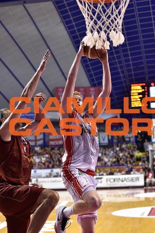 DESCRIZIONE : Venezia Lega A 2014-15 Umana Venezia-Grissin Bon Reggio Emilia  playoff Semifinale gara 5<br /> GIOCATORE :Pini Giovanni<br /> CATEGORIA : Tiro<br /> SQUADRA : GrissinBon Reggio Emilia<br /> EVENTO : LegaBasket Serie A Beko 2014/2015<br /> GARA : Umana Venezia-Grissin Bon Reggio Emilia playoff Semifinale gara 5<br /> DATA : 07/06/2015 <br /> SPORT : Pallacanestro <br /> AUTORE : Agenzia Ciamillo-Castoria /GiulioCiamillo<br /> Galleria : Lega Basket A 2014-2015 Fotonotizia : Reggio Emilia Lega A 2014-15 Umana Venezia-Grissin Bon Reggio Emilia playoff Semifinale gara 5<br /> Predefinita :