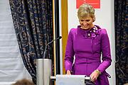 Maxima ontvangt Machiavelliprijs 2011.<br /> <br /> Prinses M&aacute;xima is onderscheiden voor haar wijze van communiceren. In perscentrum Nieuwspoort in Den Haag ontvangt zij de Machiavelliprijs 2011. Deze prijs gaat elk jaar naar iemand die uitblinkt op het gebied van publieke communicatie.<br /> <br /> Maxima receives Machiavelli Prize 2011.<br /> <br /> Princess Maxima is distinguished for its way of communicating. In Nieuwspoort press center in The Hague, she receives the Price Machiavelli 2011. This award goes annually to someone who excels in the field of public communication.<br /> <br /> Op de foto / On the photo:  Prinses Maxima tijdens de uitreiking van de door haar gewonnen Machiavelliprijs 2011 // Princess Maxima during the presentation of its won Machiavelli Price 2011