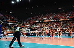 03-10-2015 NED: Volleyball European Championship Semi Final Nederland - Turkije, Rotterdam<br /> Nederland verslaat Turkije in de halve finale met ruime cijfers 3-0 / Ahoy Oranje gekleird, publiek, support, Maret Balkestein-Grothues #6, Coach Giovanni Guidetti, Debby Pilon-Stam #16, Yvon Belien #3, Lonneke Sloetjes #10