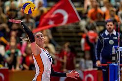 05-04-2017 NED:  CEV U18 Europees Kampioenschap vrouwen dag 4, Arnhem<br /> Nederland - Turkije 3-1 / Nederland doet zeer goede zaken en kan zich met winst op Italië zeker stellen van een halve finaleplaats - Indy Baijens #17