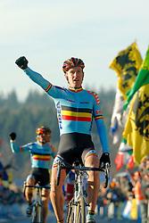29-01-2006 WIELRENNEN: UCI CYCLO CROSS WERELD KAMPIOENSCHAPPEN ELITE: ZEDDAM <br /> De wereldkampioen Erwin Vervecken (BEL)<br /> &copy;2006-WWW.FOTOHOOGENDOORN.NL