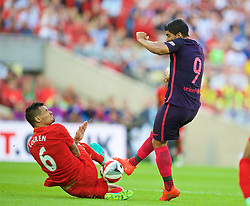LONDON, ENGLAND - Saturday, August 6, 2016: Liverpool's Dejan Lovren in action against Barcelona's Luis Suárez during the International Champions Cup match at Wembley Stadium. (Pic by David Rawcliffe/Propaganda)
