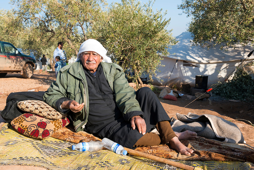 An elderly Syrian man at a camp for displaced persons in Atmeh, Syria (January 2013)