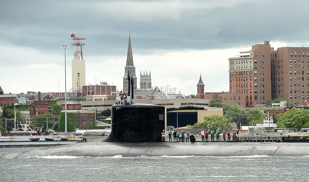 7/5/16 :: REGION :: STAND ALONE :: The U.S. Navy Virginia-class attack submarine USS Minnesota (SSN 783) passes New London, Conn., Tuesday, July 5, 2016 bound for sea. The Minnesota, the tenth boat in the Virginia-class, was commissioned in September of 2013 but spent more than two years undergoing repairs to faulty welds and was just returned to the Navy submarine base in Groton at the end of May. (Sean D. Elliot/The Day)