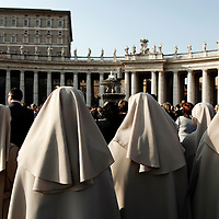 Vatican, 2 April 2005<br /> Nuns pray for Pope John Paul II whose health condition is very serious.<br /> Photo: Ezequiel Scagnetti