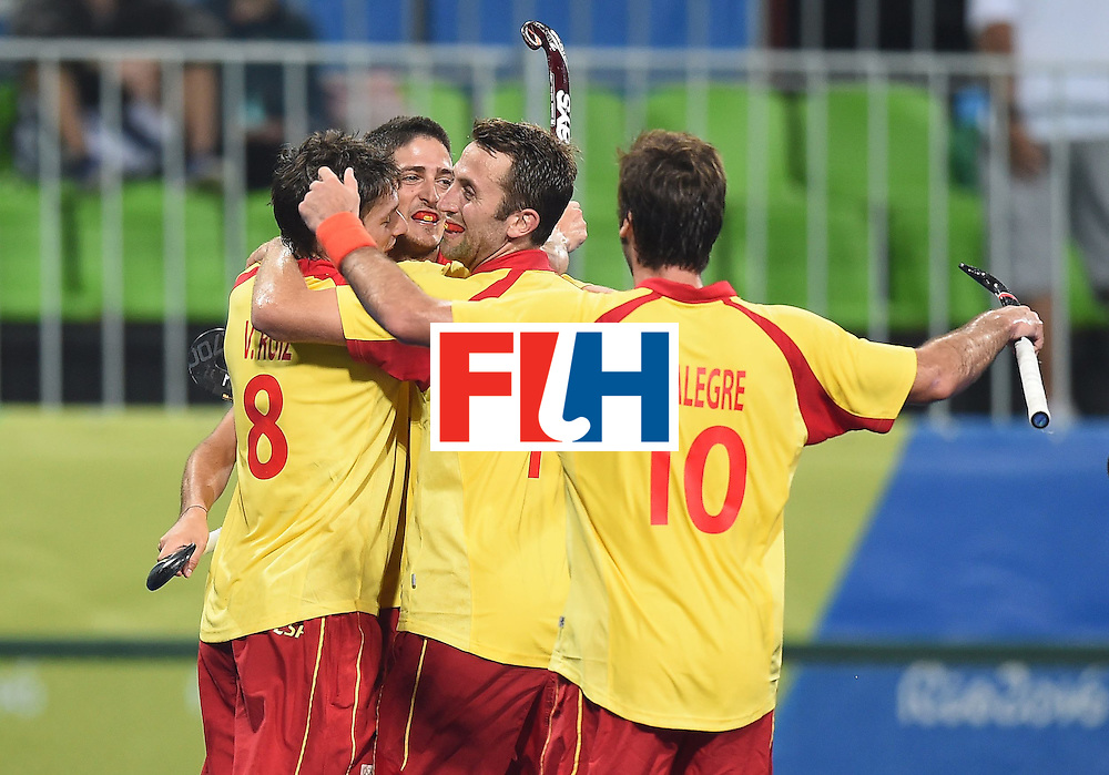 Spain teammate celebrate a goal during the men's field hockey Spain vs Brazil match of the Rio 2016 Olympics Games at the Olympic Hockey Centre in Rio de Janeiro on August, 6 2016. / AFP / MANAN VATSYAYANA        (Photo credit should read MANAN VATSYAYANA/AFP/Getty Images)