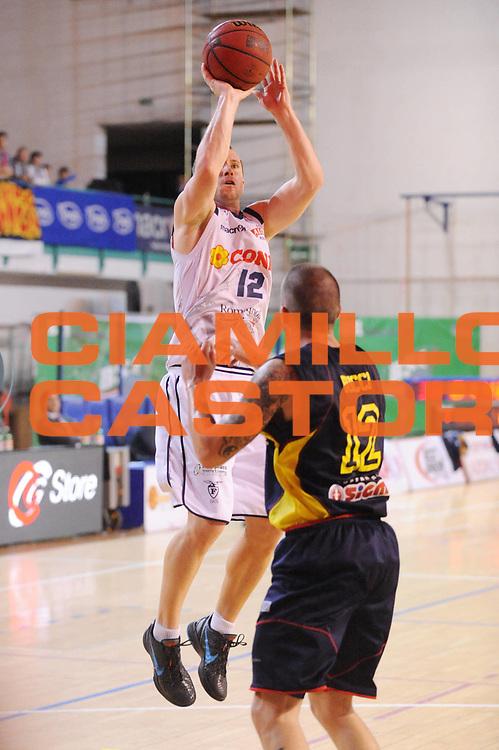 DESCRIZIONE : Bologna Lega Basket A2 2011-12 Conad Bologna Sigma Barcellona<br /> GIOCATORE : Brett Blizzard<br /> CATEGORIA : tiro<br /> SQUADRA : Conad Bologna<br /> EVENTO : Campionato Lega A2 2011-2012<br /> GARA : Conad Bologna Sigma Barcellona<br /> DATA : 05/05/2012<br /> SPORT : Pallacanestro<br /> AUTORE : Agenzia Ciamillo-Castoria/M.Marchi<br /> Galleria : Lega Basket A2 2011-2012 <br /> Fotonotizia : Bologna Lega Basket A2 2011-12 Conad Bologna Sigma Barcellona<br /> Predefinita :