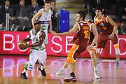 DESCRIZIONE : Roma Lega A 2011-12 Acea Virtus Roma Sidigas Avellino<br /> GIOCATORE : Marques Green<br /> CATEGORIA : palleggio blocco<br /> SQUADRA : Sidigas Avellino<br /> EVENTO : Campionato Lega A 2011-2012<br /> GARA : Acea Virtus Roma Sidigas Avellino<br /> DATA : 18/12/2011<br /> SPORT : Pallacanestro<br /> AUTORE : Agenzia Ciamillo-Castoria/GiulioCiamillo<br /> Galleria : Lega Basket A 2011-2012<br /> Fotonotizia : Roma Lega A 2011-12 Acea Virtus Roma Sidigas Avellino<br /> Predefinita :