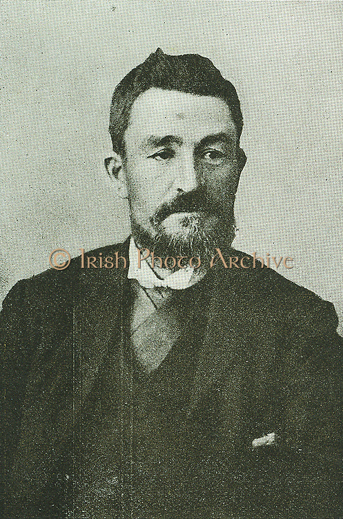 Gen. Chr. R. de Wet had already gained the reputation of a fearless leader in the Transvaal War of Independence when he and other Freestaters crossed the Vaal with the object of assisting their fellow-Africanders.  For some time he was a member of the Transvaal Volksraad.