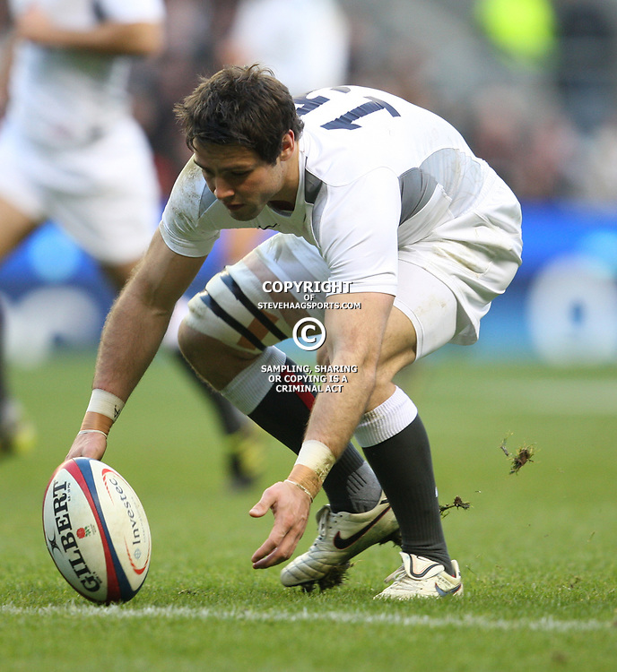 LONDON, ENGLAND - NOVEMBER 27,Ben Foden  during the End of Year tour match between England and South Africa at Twickenham Stadium on November 27, 2010 in London, England<br /> Photo by Steve Haag / Gallo Images