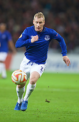 LILLE, FRANCE - Thursday, October 23, 2014: Everton's Tony Hibbert in action against Lille OSC during the UEFA Europa League Group H match at Stade Pierre-Mauroy. (Pic by David Rawcliffe/Propaganda)
