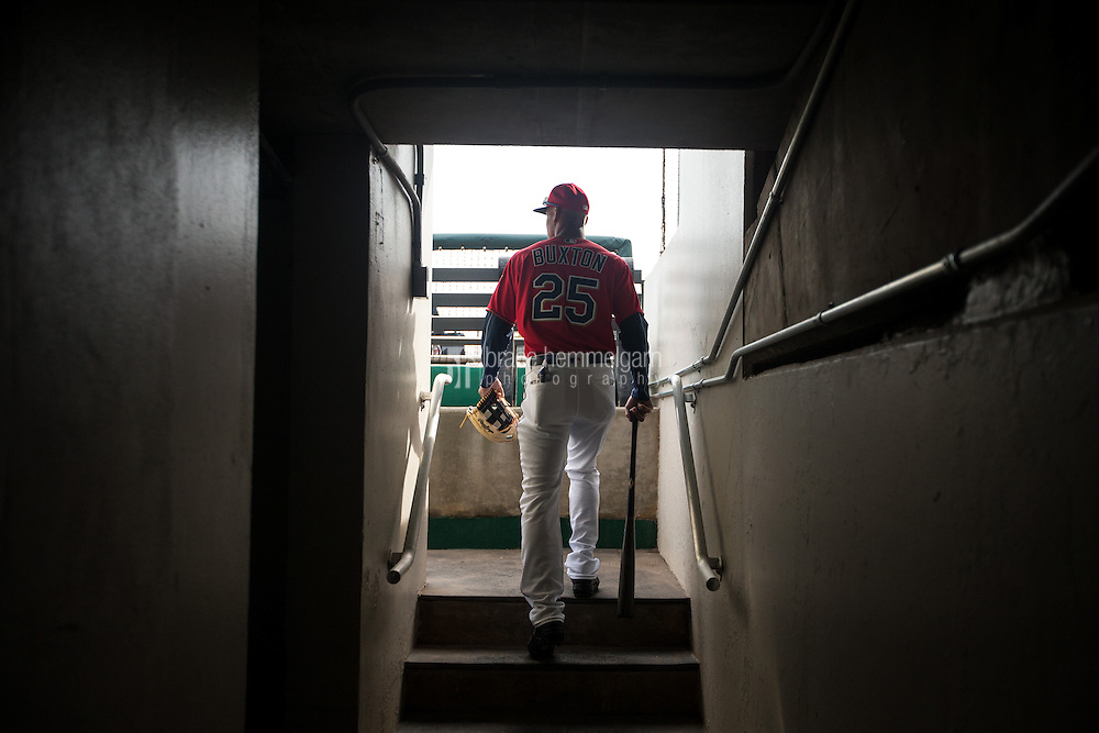 FORT MYERS, FL- MARCH 05: Byron Buxton #25 of the Minnesota Twins takes the field against the Baltimore Orioles during a spring training game on March 5, 2016 at Hammond Stadium in Fort Myers, Florida. (Photo by Brace Hemmelgarn) *** Local Caption *** Byron Buxton